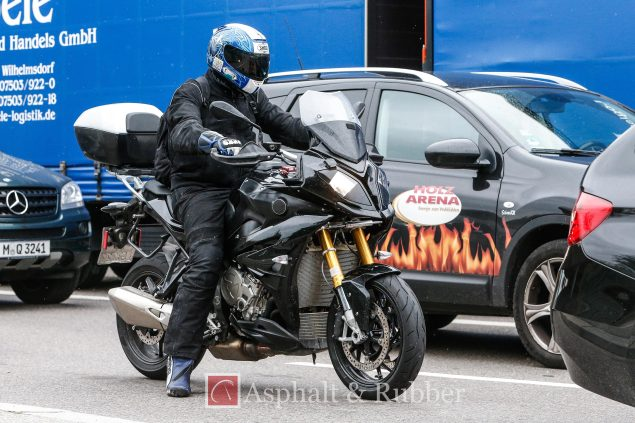 2015-BMW-S1000XR-spy-photos-02.jpg